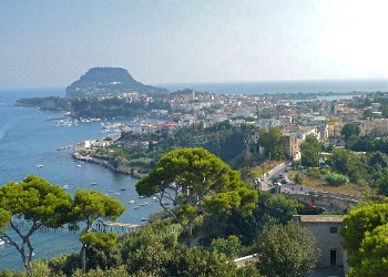 Malazè chiude con la Bottega dei semplici pensieri alla Spiaggia Romana