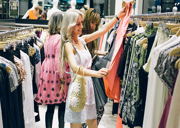 VOGUE FASHION'S NIGHT OUT: Moda e Ricerca, connubio vincente a La Reggia Designer Outlet