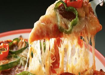 In Nuova Zelanda si studia il formaggio per la pizza napoletana: deve essere mozzarella