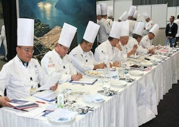 La giuria con i piatti italiani