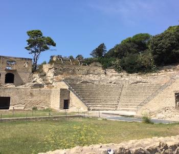Itinerario mitico nella Posillipo Imperiale in Barca nell'area protetta della Gaiola