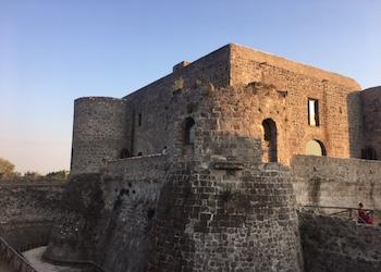 Il Castello ritrovato di Calvi Risorta e la scoperta di una nuova meta nel mondo della Pizza Gourmet