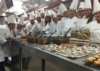 Migliaia di pasti in dono da cuochi e ristoratori per un Capodanno Solidale