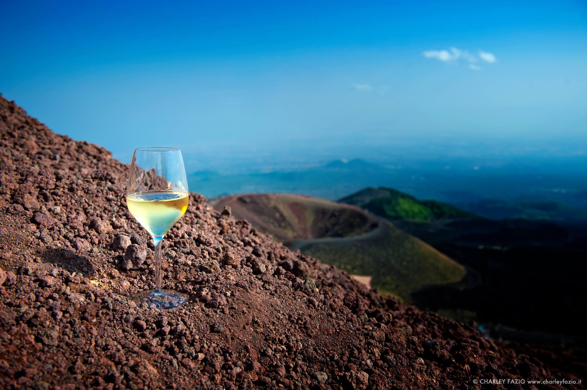 Volcanic Wines, da tutta Italia a Napoli i vini dei Vulcani, ecco la degustazione