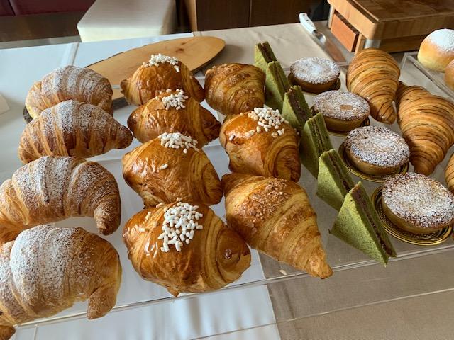 Bontà  di una colazione in un' eccellente Pasticceria.Da Lombardi per Aniello di Caprio