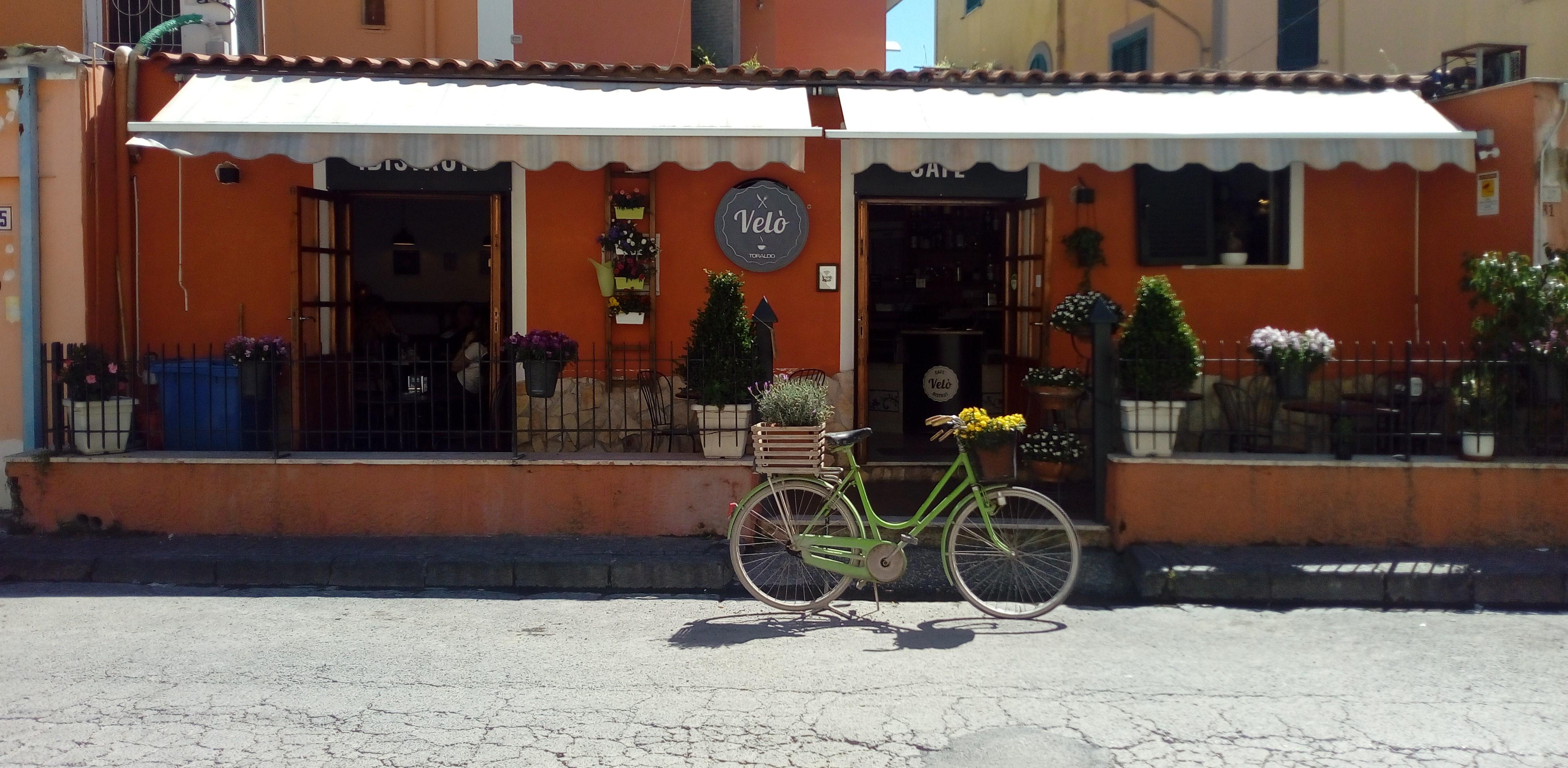 Campi Flegrei in fiore, il connubio con la bici