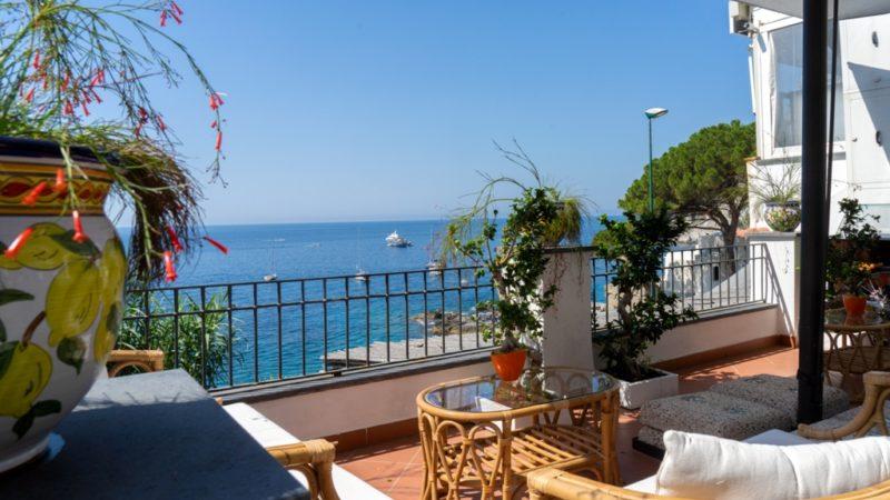 A Marina Piccola di Capri  menù  40 euro sotto i 40 anni