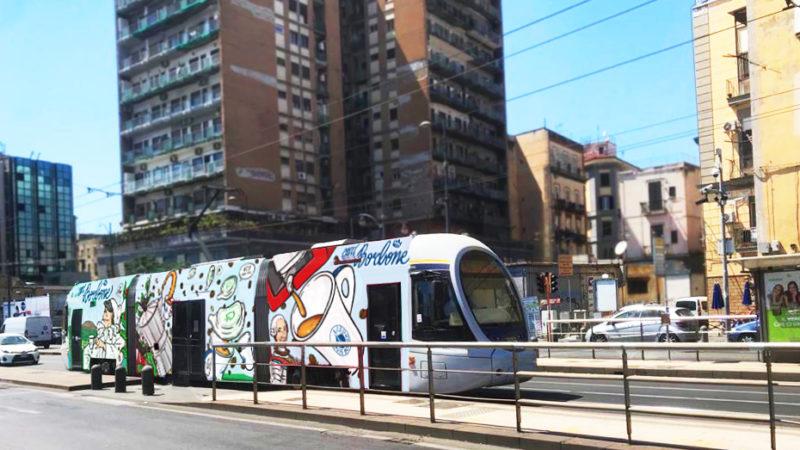 A Napoli CIBO, lo street artist anti-odio con Caffè Borbone