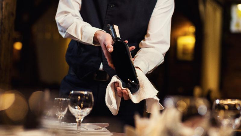 Cameriere e barista al sud, come altri lavori il gap sulla paga è enorme col nord