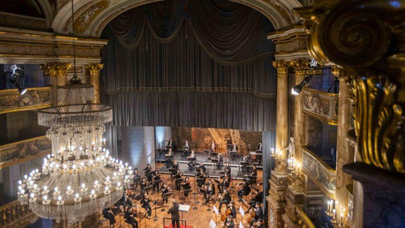 Sulla Rai arriva il concerto di Riccardo Muti alla Reggia di Caserta