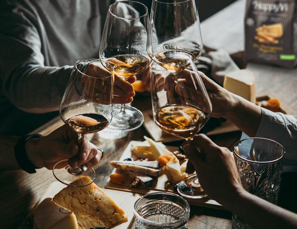 Mercato del vino, le nuove abitudini nell'indagine per Vinitaly