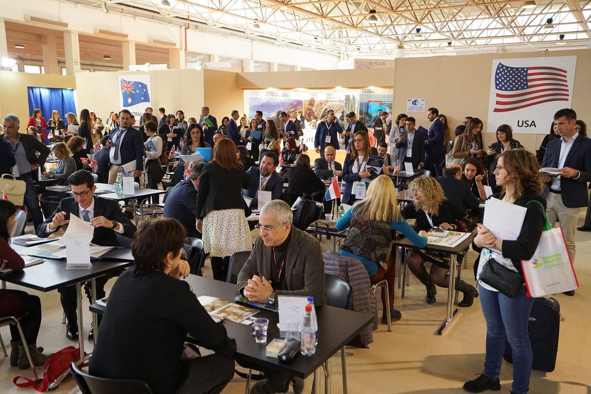 Istituzioni e associazioni per l'inaugurazione della BMT a Napoli