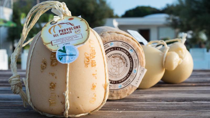A Villa Fattorusso a Posillipo evento con i grandi formaggi della Campania