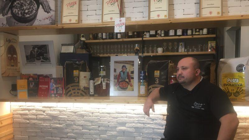 Pizzeria Doro Gourmet aperta a pranzo e la canzone Turnà a viver per Santantuono.