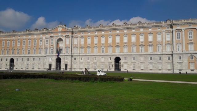 I Campetti della Reggia ( la Piazza più grande d'Italia) saranno curati da Fattorie Garofalo